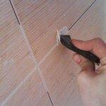 Как обновить шов между плиткой