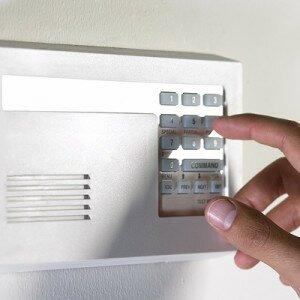 Как поставить квартиру на сигнализацию