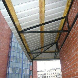 Как установить крышу на балконе